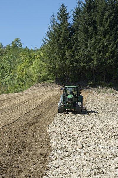 I legumi MonteMonaco, gli unici al dente senza essere precotti conservando il 100% delle proprietà nutritive bio, fatti di sola acqua e farina del Parco nazionale dei Monti Sibillini, senza addensanti e conservanti.